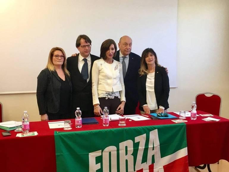 Forza italia presenta a cesena i suoi candidati alla for Senato italia
