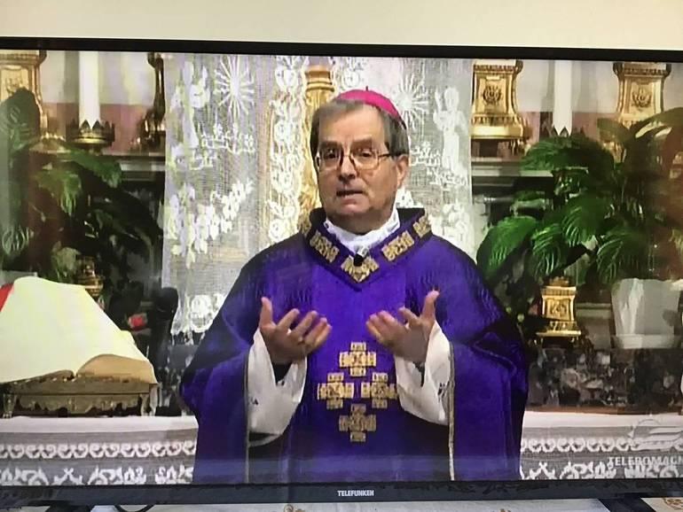 Il vescovo Douglas su Teleromagna per la Messa che si è conclusa poco fa