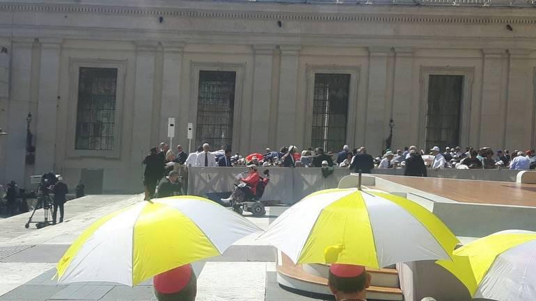 Mini Concerto di Gianni Morandi in Piazza San Pietro