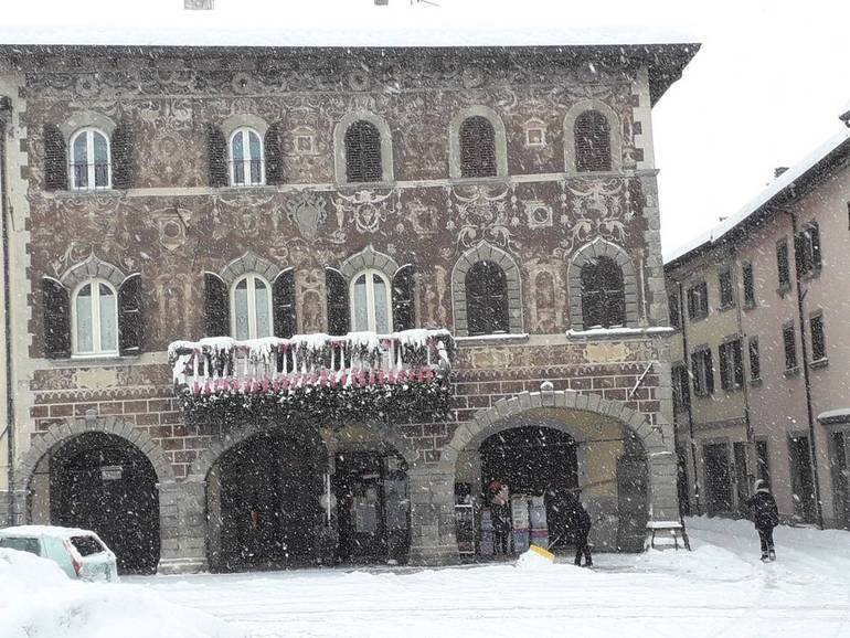 Nevica ancora in alta Valle del Savio. Scuole chiuse a Bagno di ...
